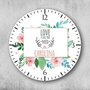 Reloj circular personalizado Love is all you need
